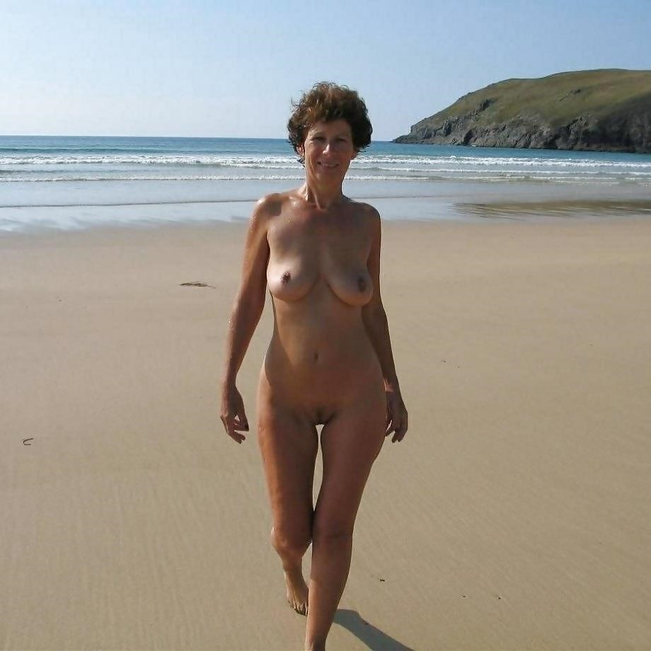 Natural tits on the beach-7309