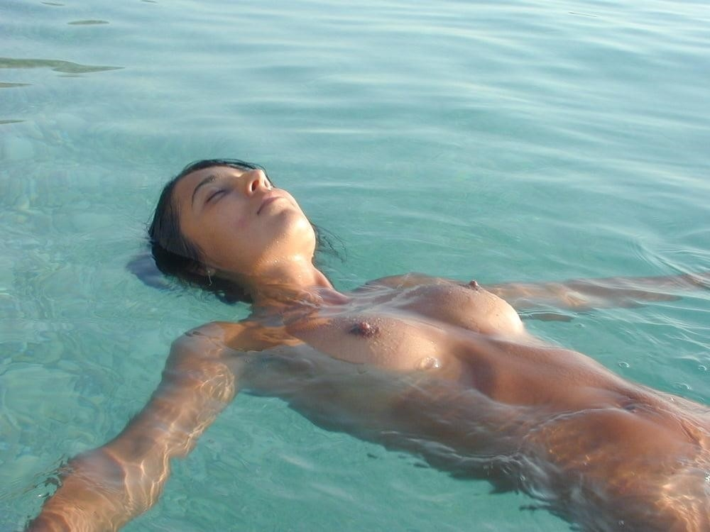 Wife naked on vacation-1793