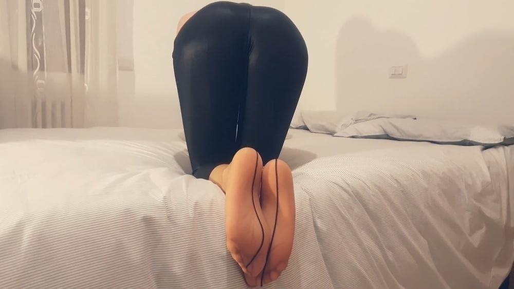 Teen pantyhose feet-2627
