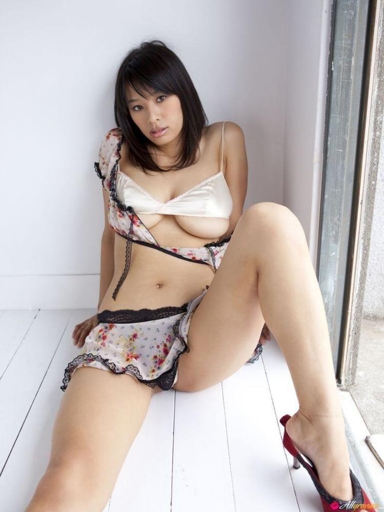 Small tits porn gif-5415