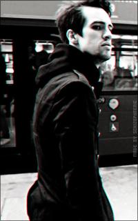 Brendon Urie QzEoKXSj_o