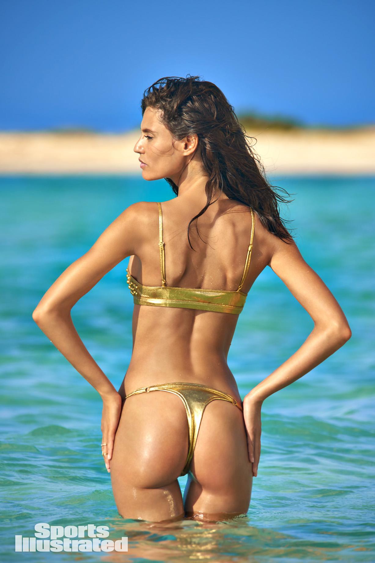 Bianca Balti / Бьянка Бэлти в купальниках из новой коллекции Sports Illustrated Swimsuit 2018 issue / in Aruba by Yu Tsai
