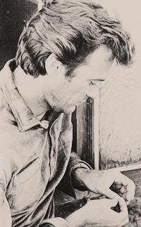Clint Eastwood QrOQv0Km_o