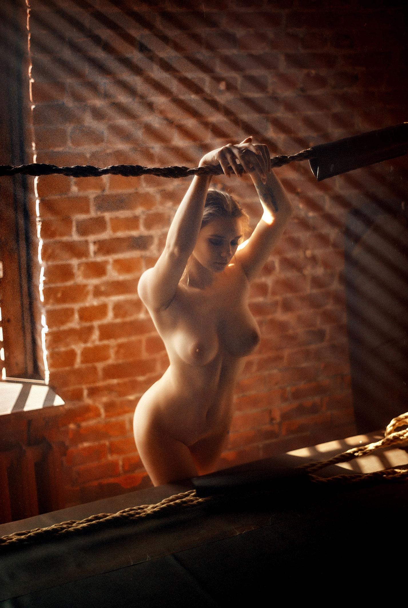голая Наталья Тихомирова на боксерском ринге / фото 05