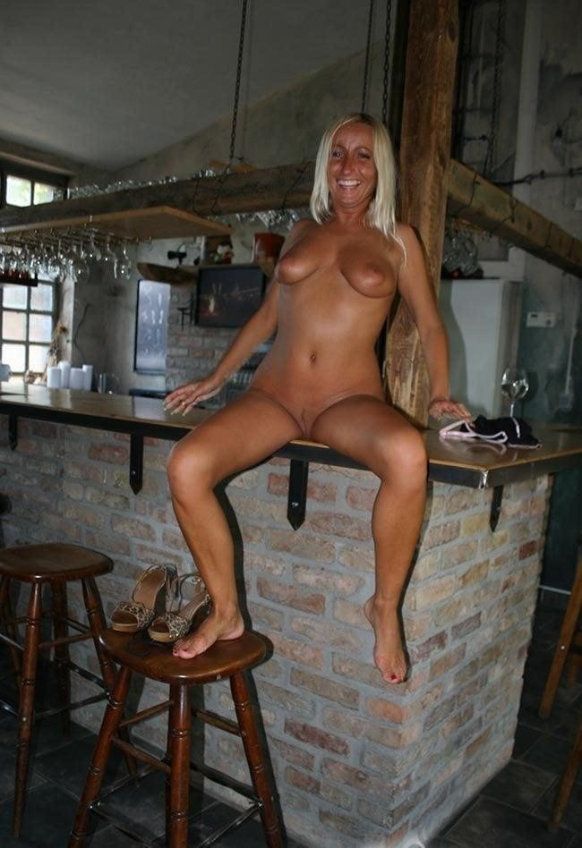 Wife nude at bar-6320