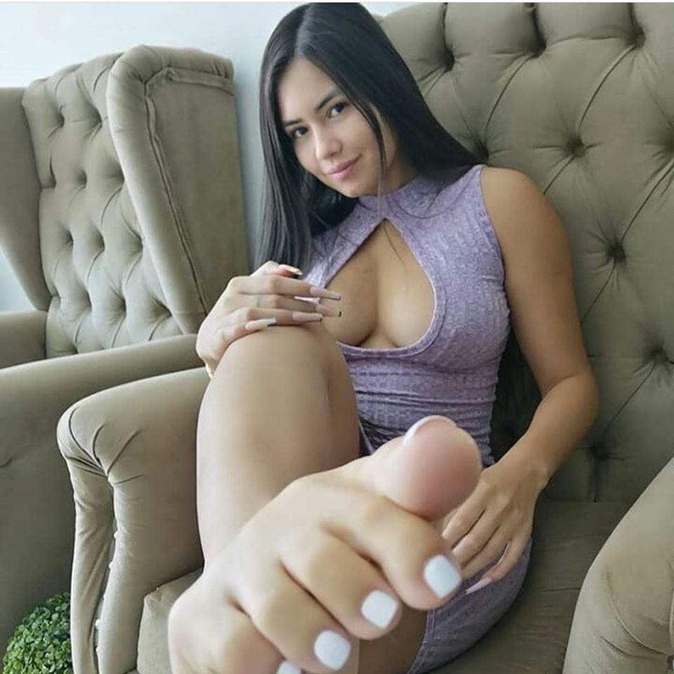 Small feet worship-6781