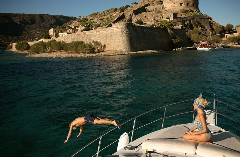 Domes of Elounda, Autograph Collection Hotel / Pixie Lott and Oliver Cheshire by Mara Lazaridou - InStyle UK Summer 2018