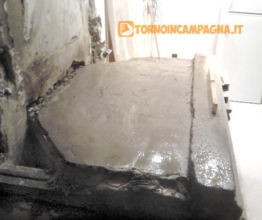 Il massetto di cemento.