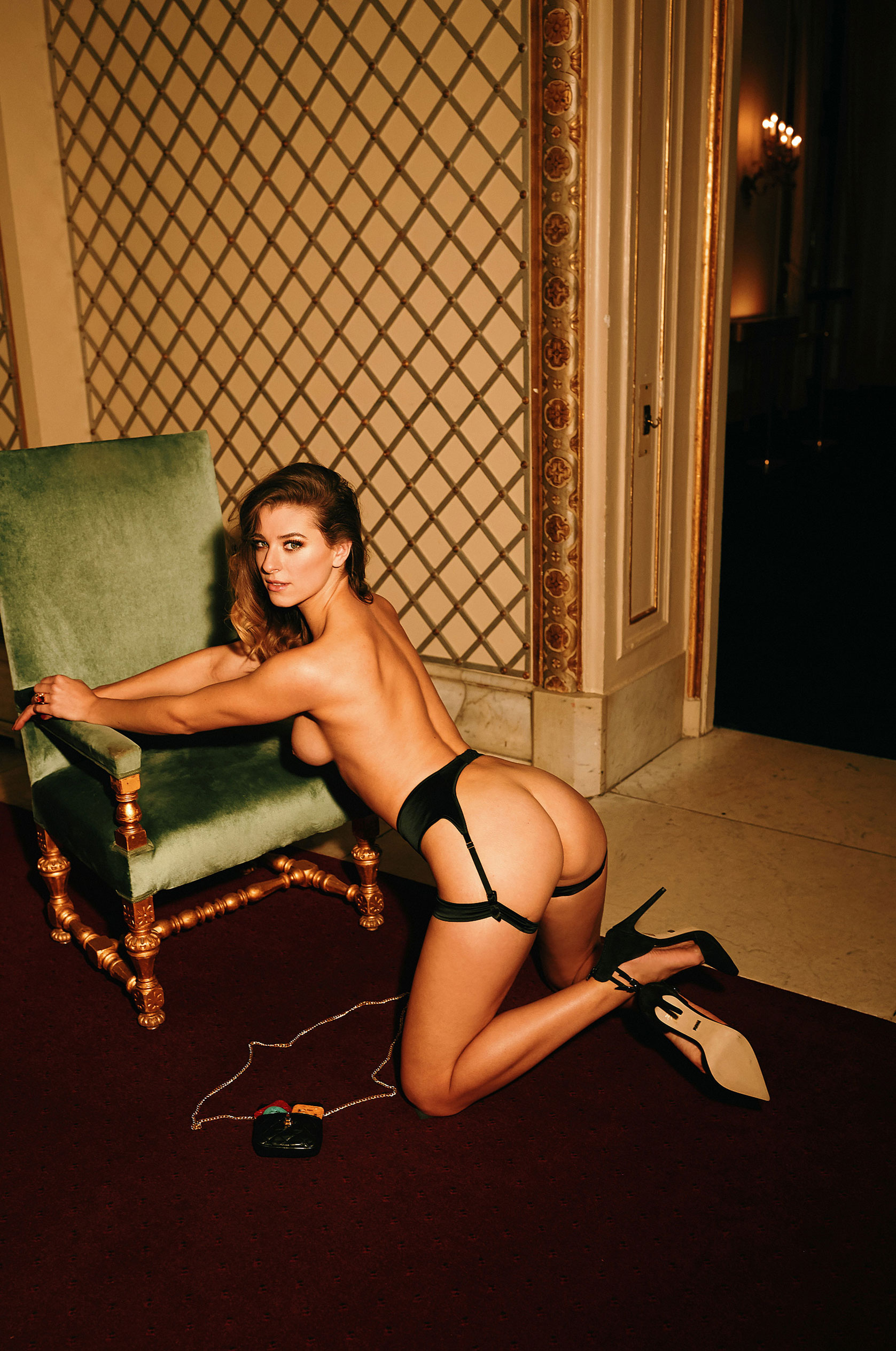 Девушка 2020-го года в Playboy Германия - Стелла Тиана Стегманн / фото 10
