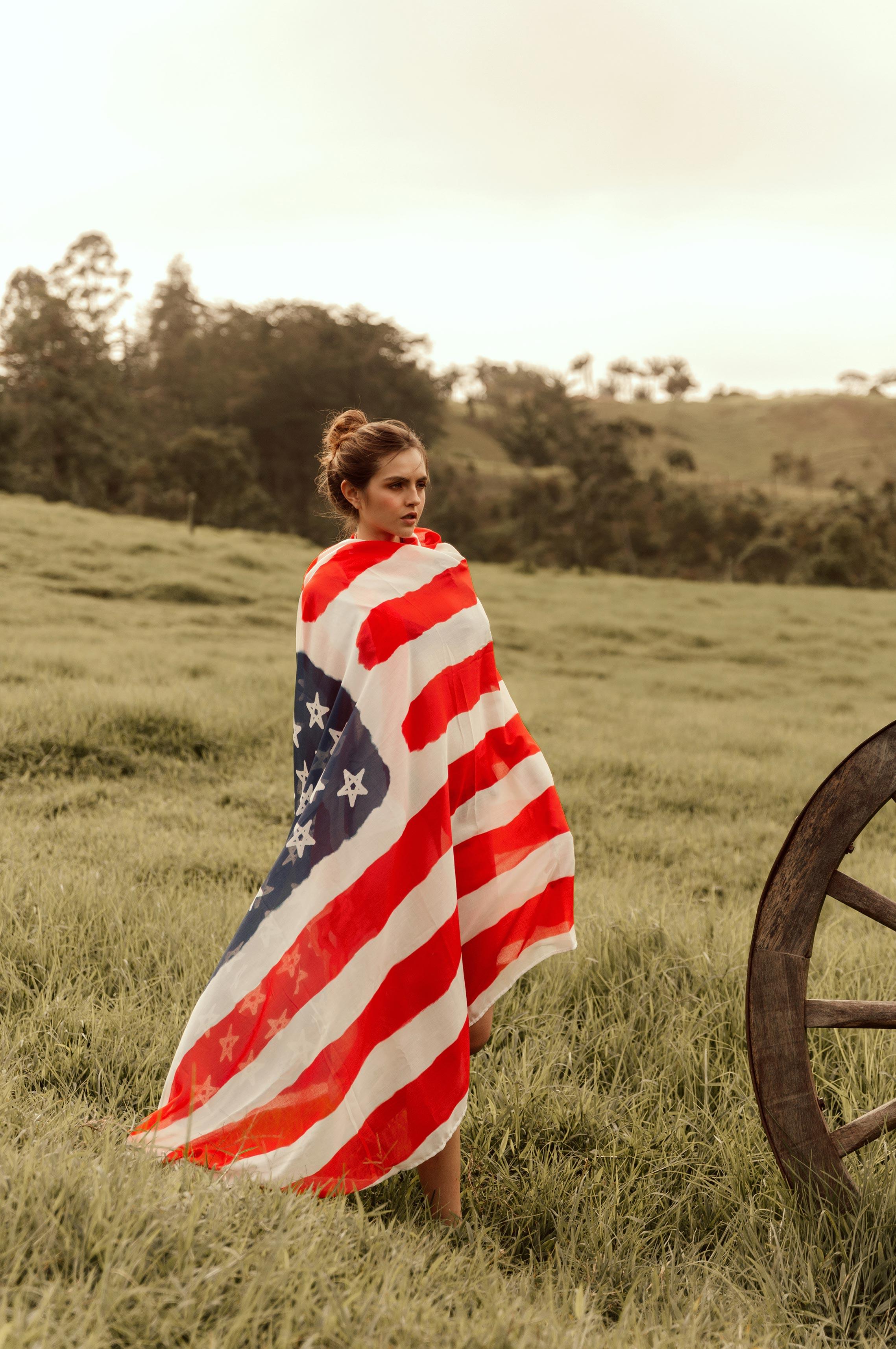 Девушки в купальниках с американским флагом / фото 05