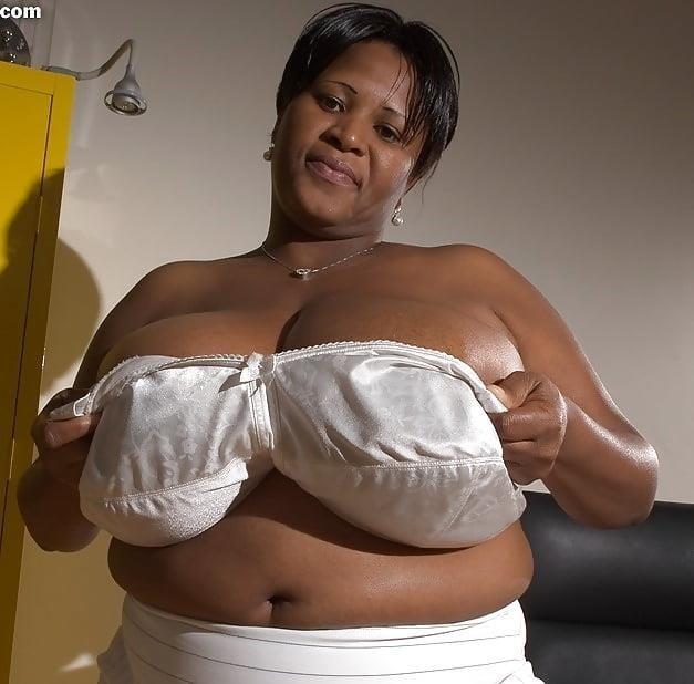 Big heavy natural tits-3681