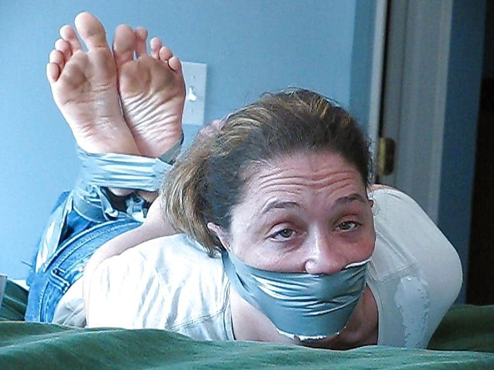 Bondage tickle feet-9508