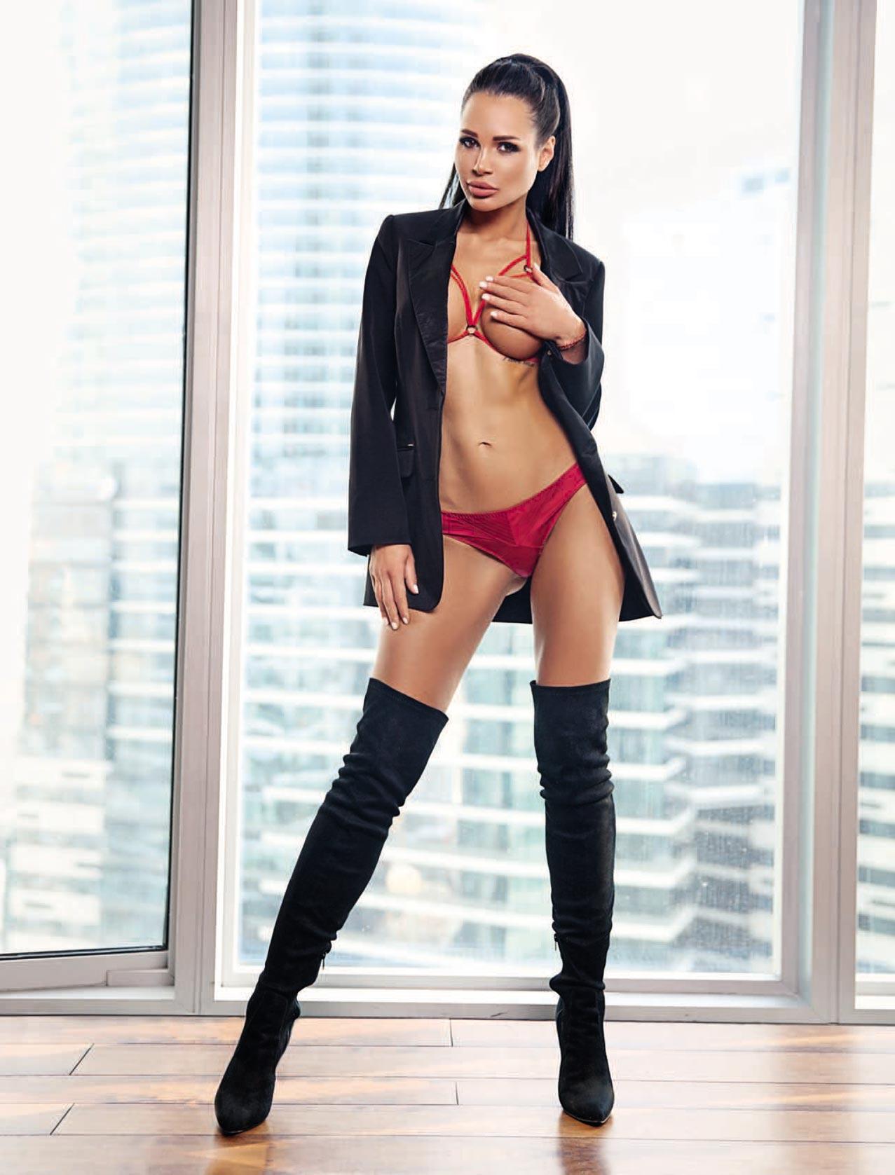 Девушка месяца / Милана Миловская, фотограф Таша Манаенкова / Playboy Украина май-июнь 2018