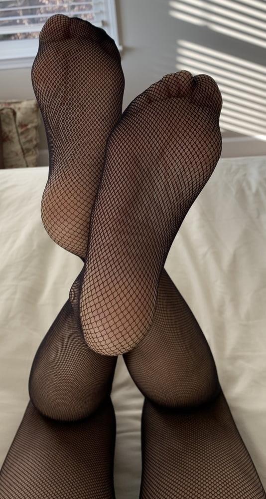 Female feet bondage-4323