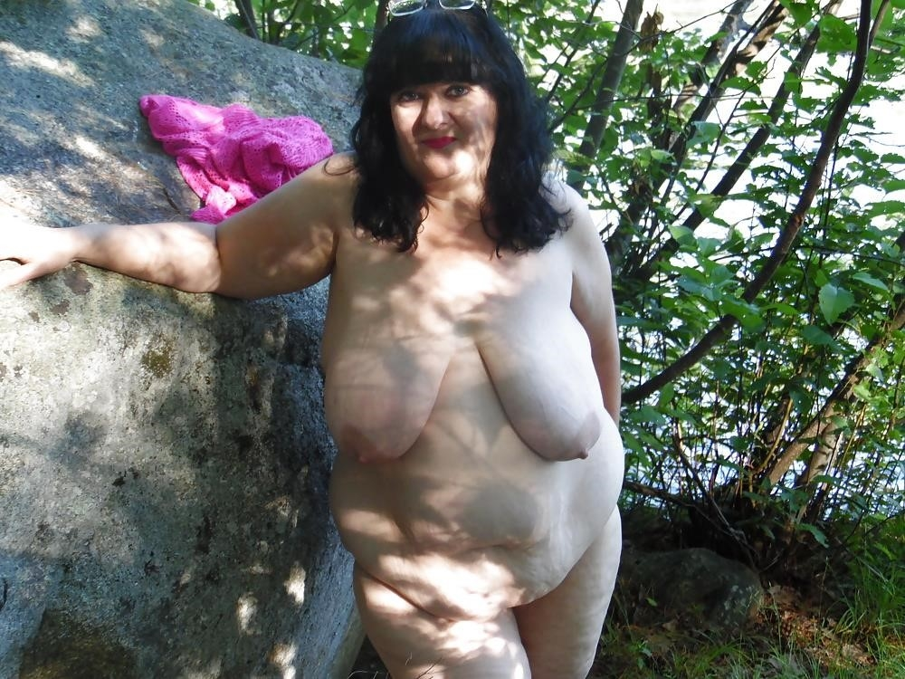 Hot mom big tits pic-2981