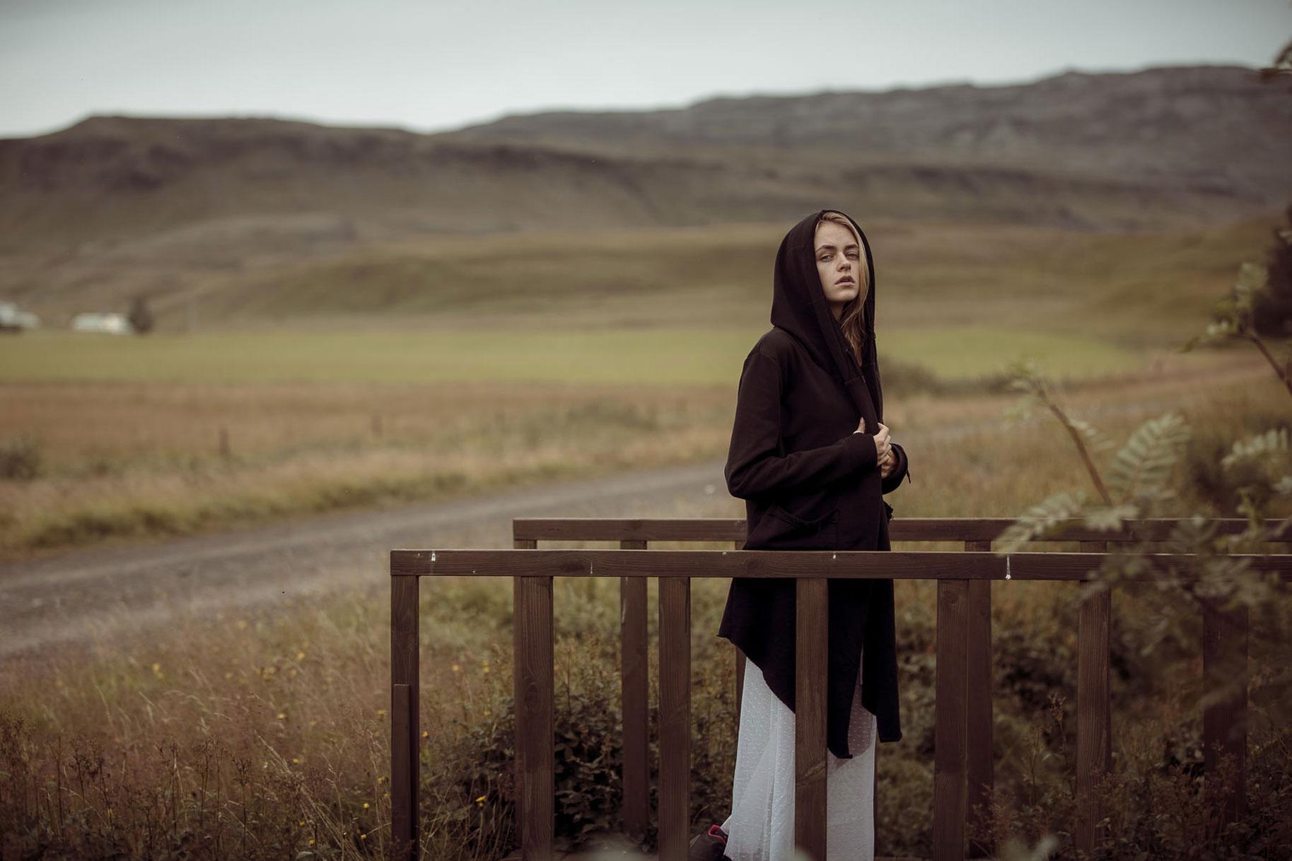 Яна Нагорняк гуляет по лесам и полям Исландии / фото 03