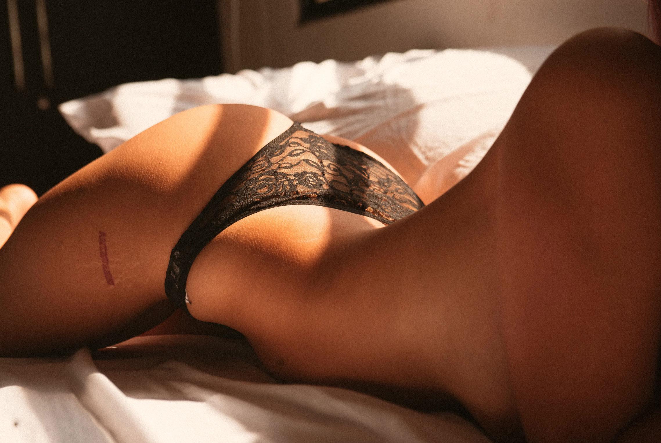 Hot Sunday / Heydi Veintimilla nude by Josua Gomez