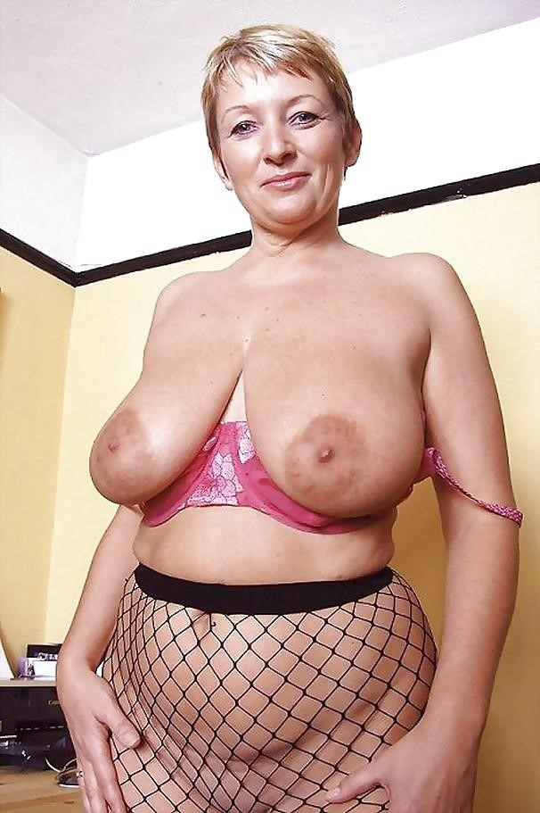 Short hair mature nude-9455