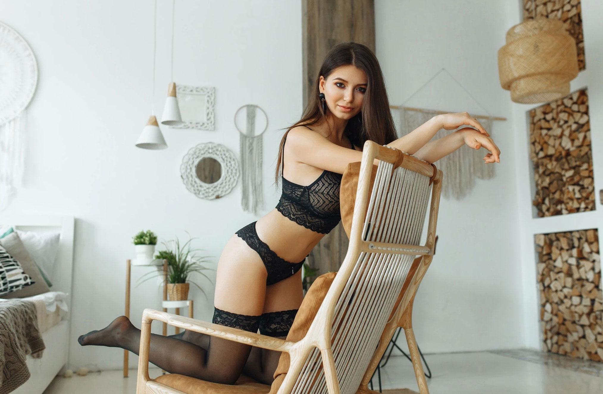 Наталья Андрейчук в черном нижнем белье / фото 03