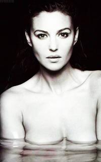 Monica Bellucci CzrIk6er_o