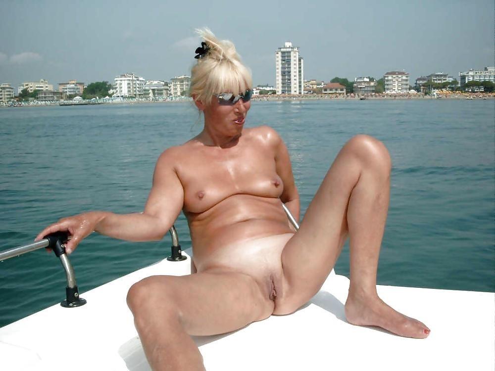 Mature posing porn pics-2084