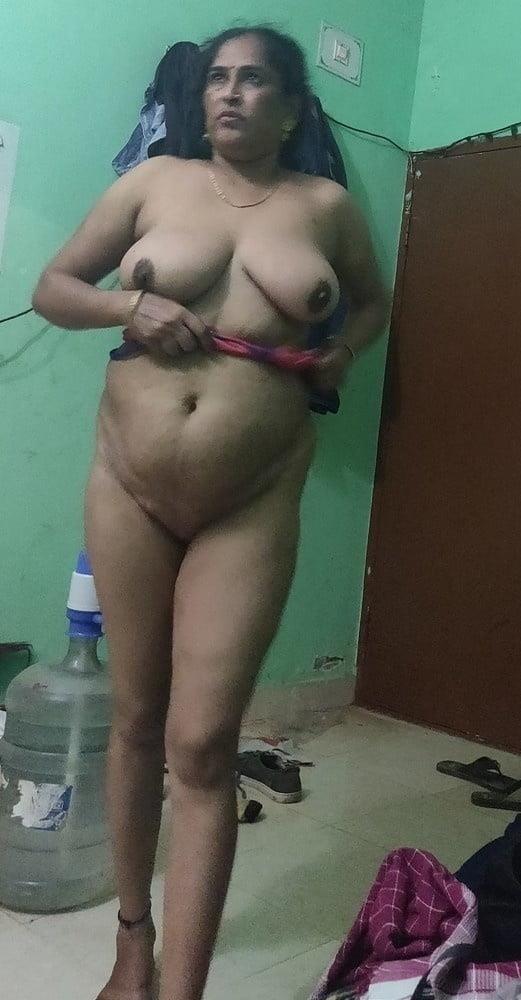 Reshma aunty nude-5781