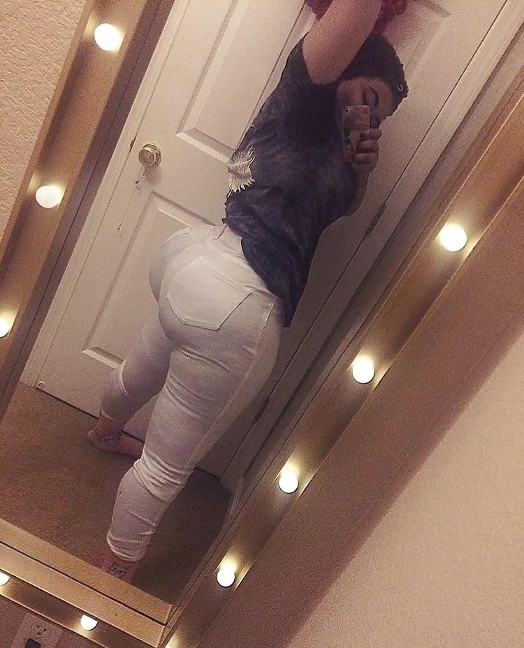 Thick black booty solo-3441