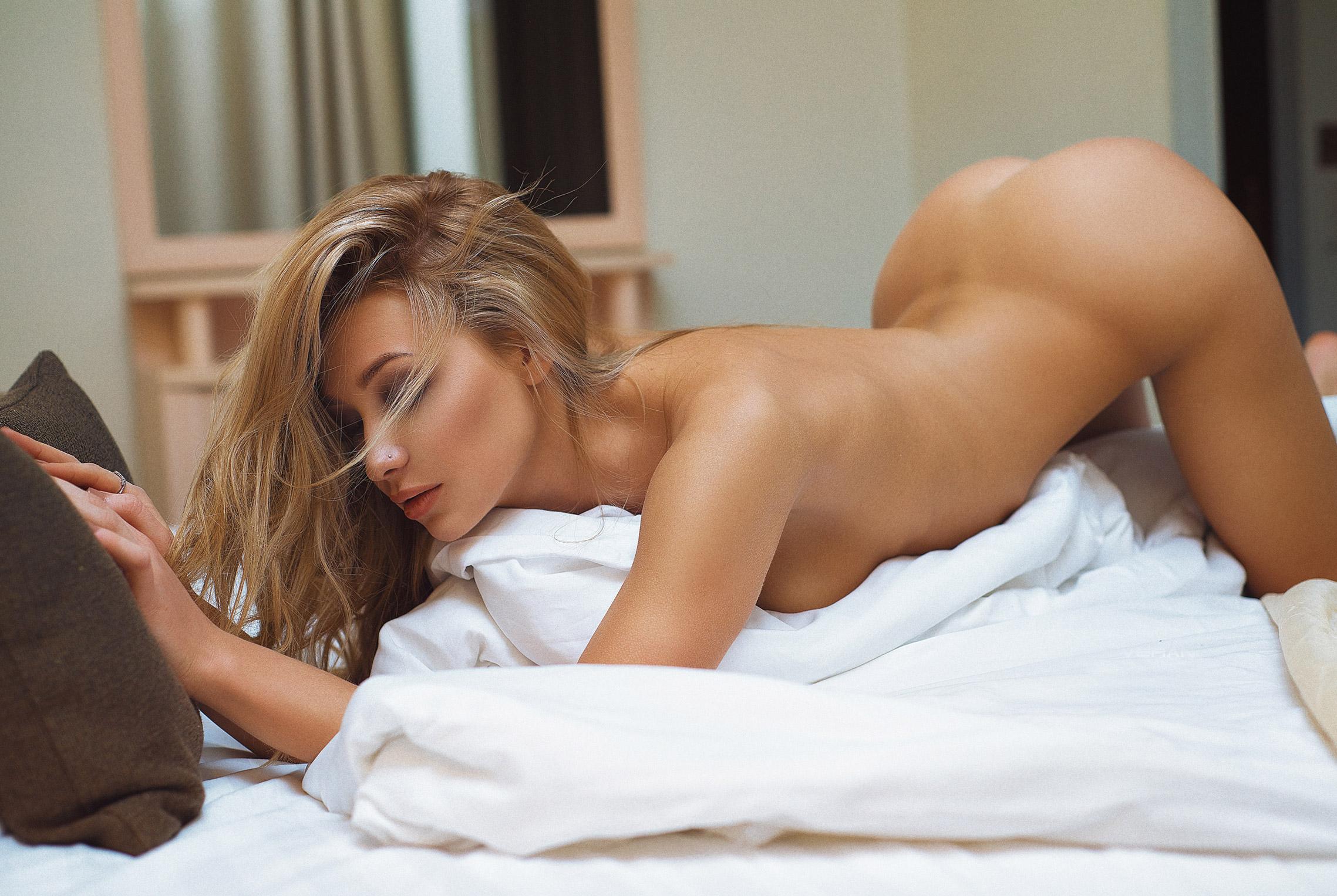 Девушка месяца журнала Playboy Россия - Анжелика Лесик, фотограф Николас Верано / Angelika Lesik nude by Verano