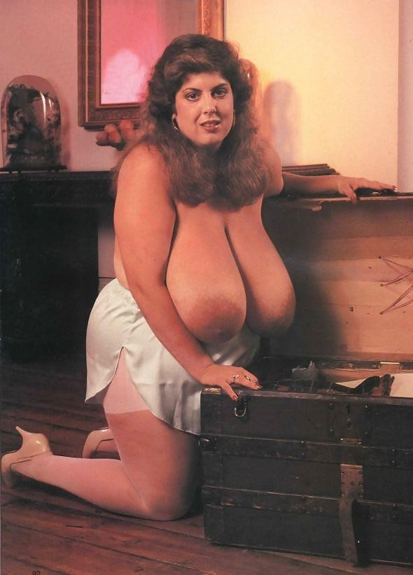 Biggest tits in the world pics-6005