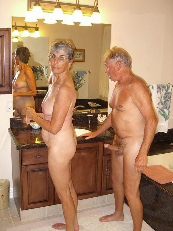 Sexy nude couple gif-4382