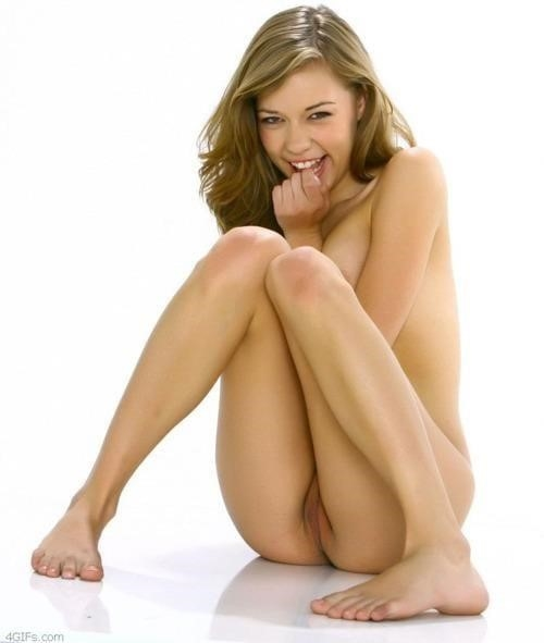 Nude girls with pretty feet-1343