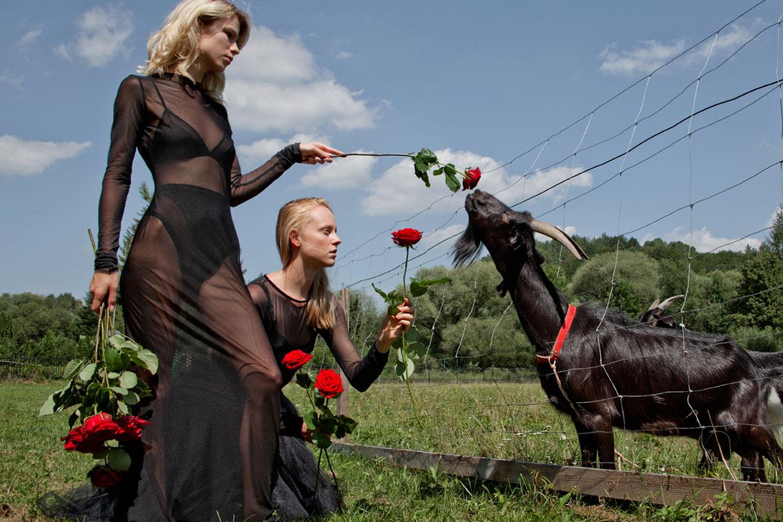 Red Army / Angela Olszewska, Justyna Golebiowska, Gabriela Mach by Andrew Tarnawczyk