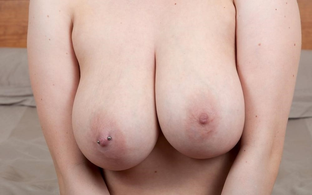 Beautiful big tit pic-2990