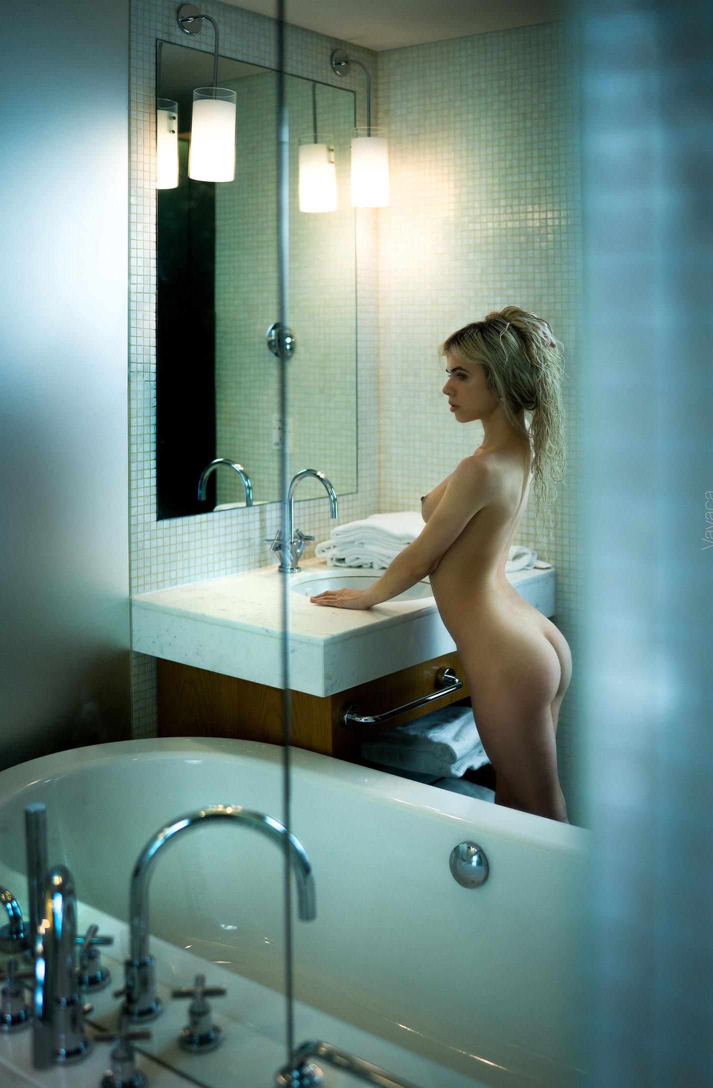 Александра Смелова принимает ванну / фото 07