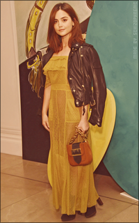 Jenna Coleman AEYehsuA_o