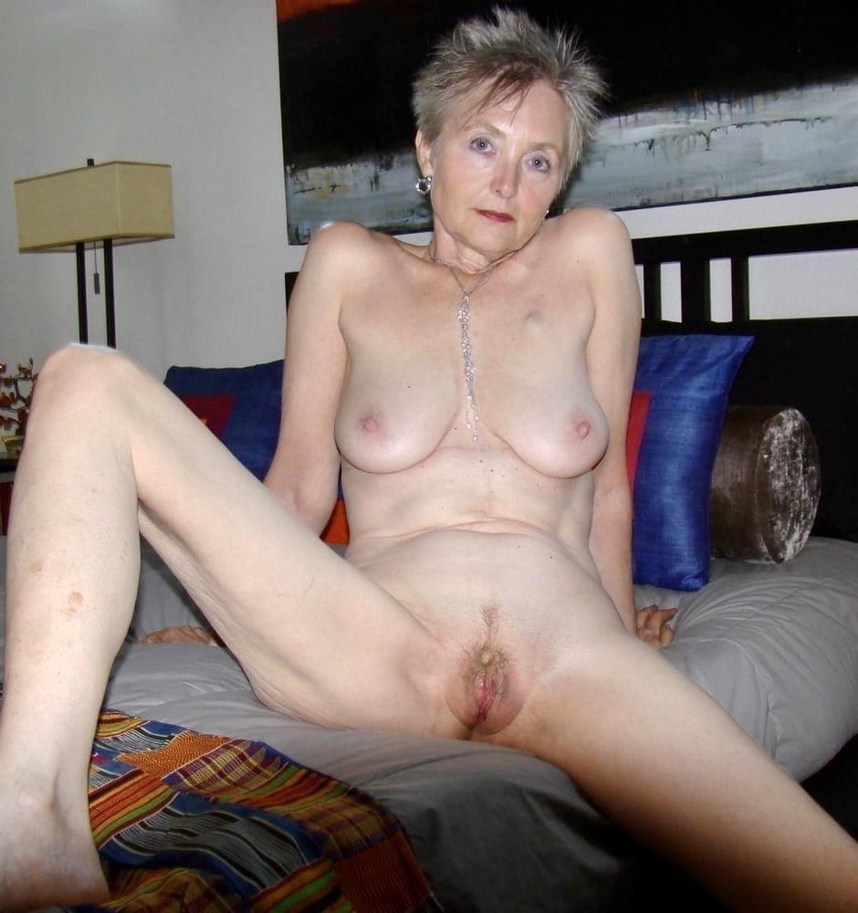 Naked granny porn-2267