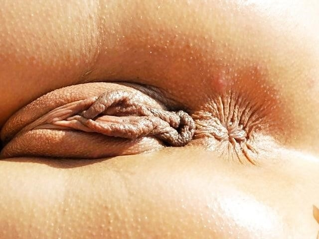 Women with large clitoris-4550