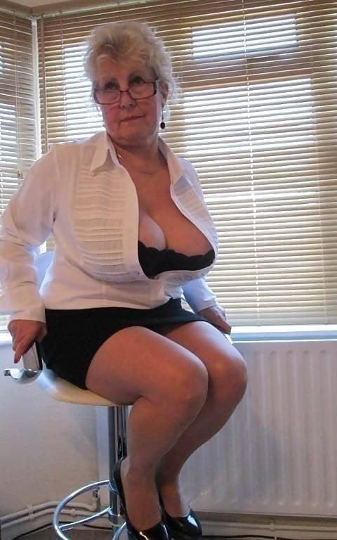 Busty granny porn pics-3967