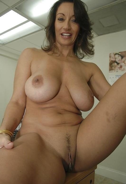 Naked women cunnilingus-9748