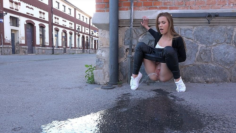 Teen girl peeing in public-3874