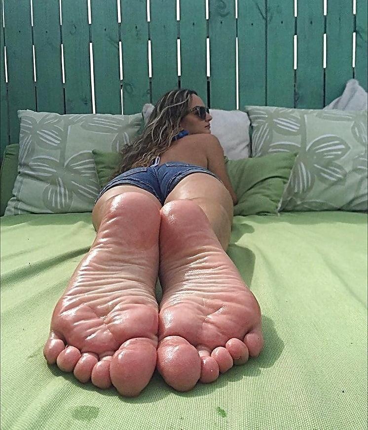 Beautiful feet babes-4937
