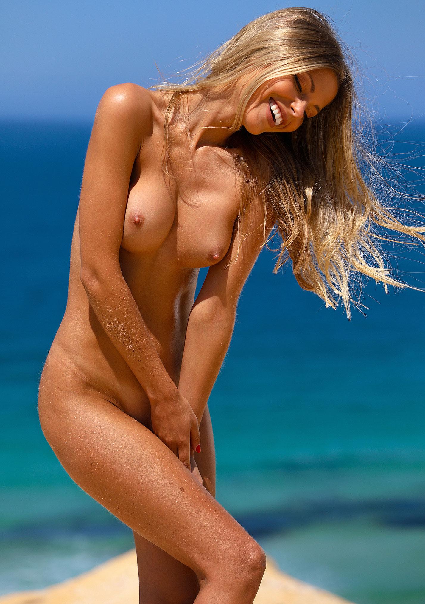 Девушка месяца Алина Бойко, Playboy Нидерланды август 2020 / фото 19