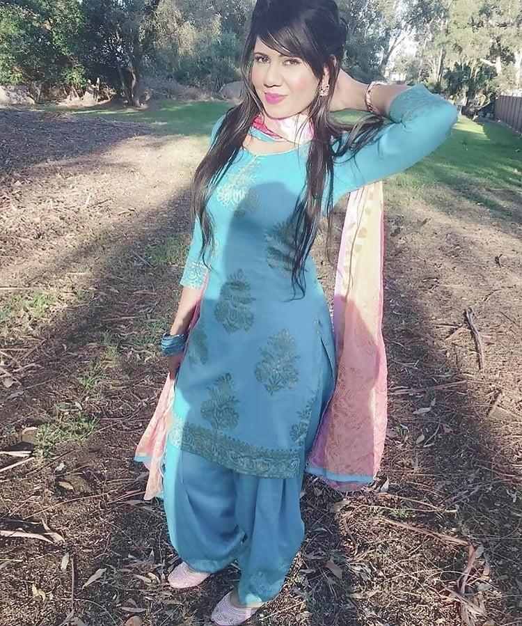 Sexy punjabi girls pic-4153