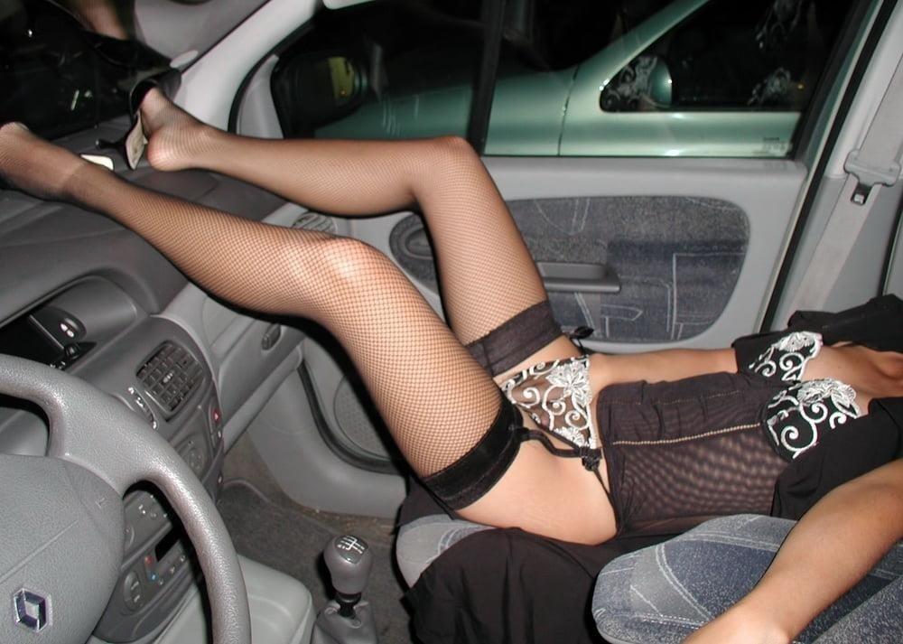 Cunnilingus in car-3401