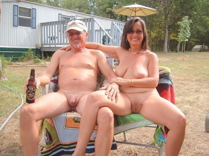 Mature couples copulating-3812