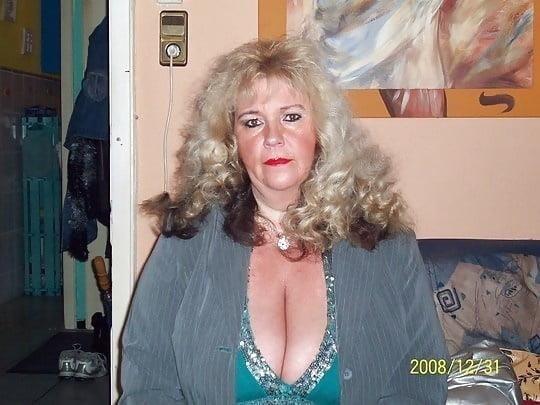 Busty granny porn pics-7492