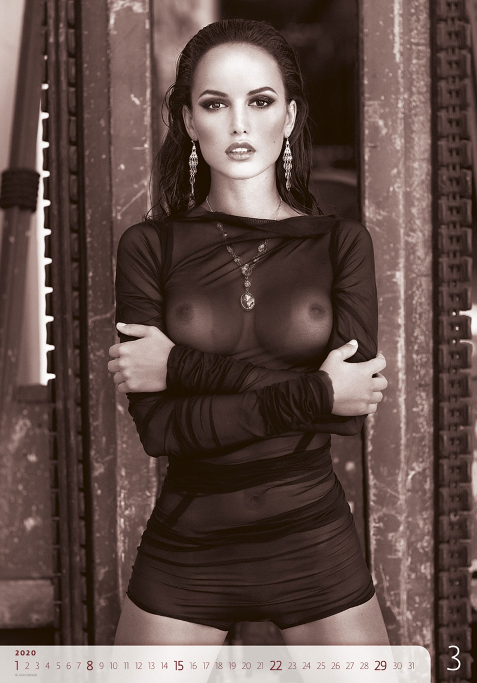 Сексуальные голые девушки в календаре на 2020 год, фотограф Юлия Скалозуб / март