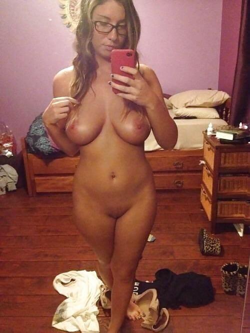 Naked girlfriend selfie-7369
