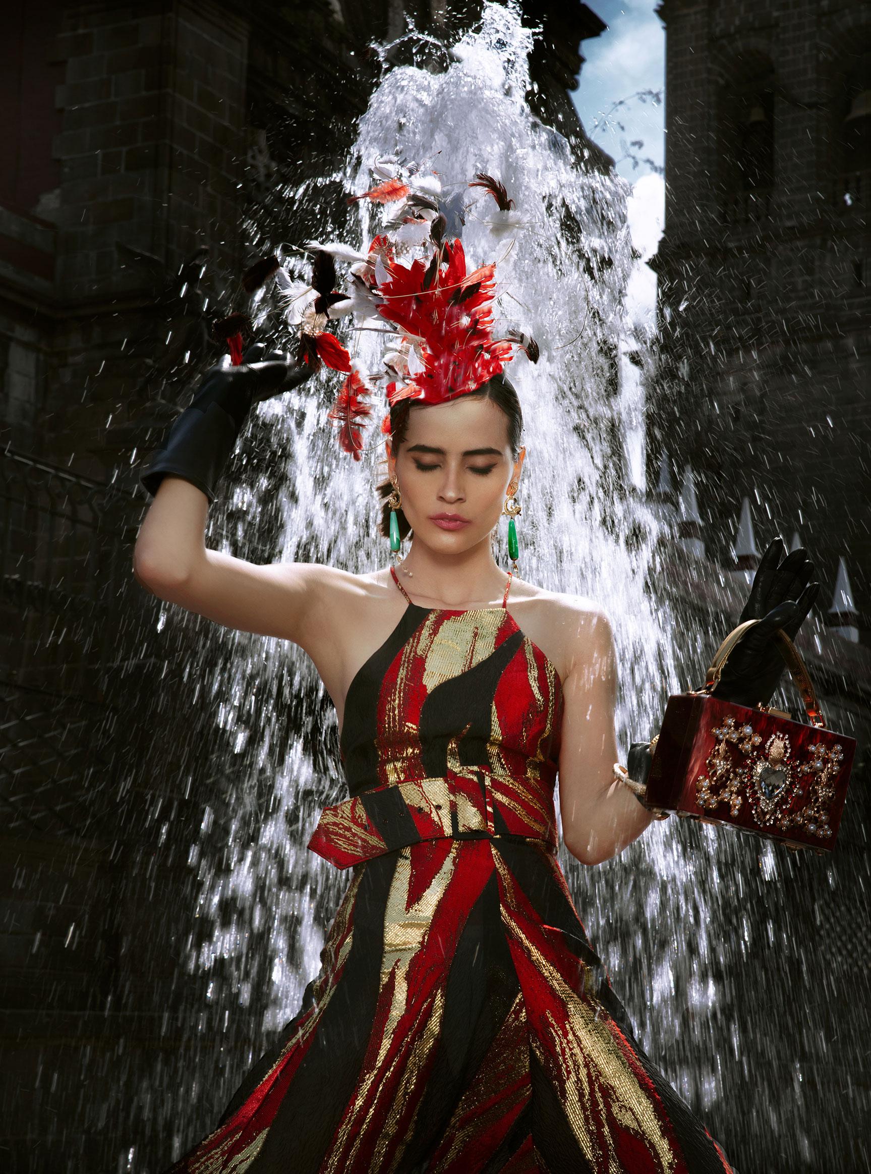 Заира Майари в модном показе на улицах Пуэбла-сити / фото 06