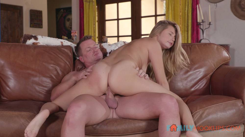 Carolina Sweets – Blonde Teen Carolina Sweets Gets Punshied By Her Stepdad – Family Hook Ups